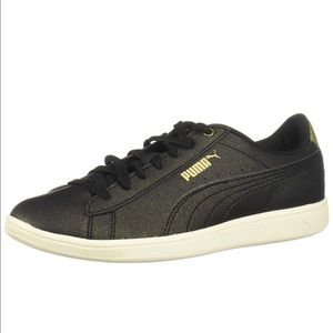 PUMA Vikky black w/gold sneakers. Size 10